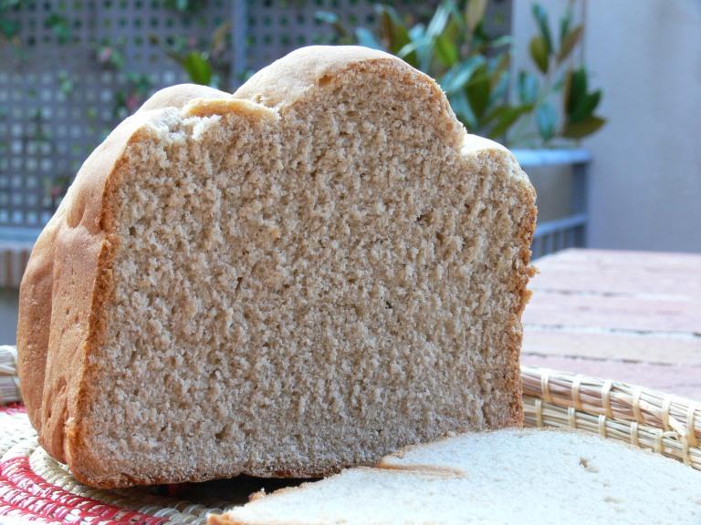 Pan de espelta blanca en panificadora - El clan de los sin trigo
