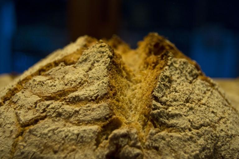 Greña pan de espelta en cazuela hierro